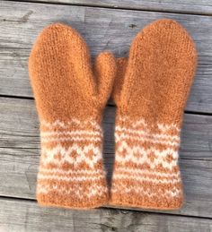 """Excited to share this item from my #etsy shop: Handknitted felted Norwegian wool mittens in """"Setesdal"""" design"""