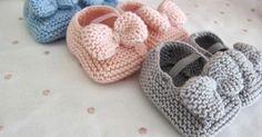 Azuis, cinzentos, cor-de-rosa... Todos!  Ofereço ou fico com eles para o meu bebé? Ambos!   Apresento-vos os sapatinhos de lã merino com...