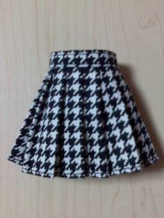 簡単なお人形用のプリーツスカートの作り方☆ | ☆簡単に作る人形服☆ Dolls, Sewing, Skirts, Fashion, Baby Dolls, Moda, Dressmaking, Fashion Styles, Skirt
