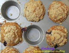 Blueberry Banana Streusel Muffins - www.cakeduchess.com
