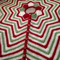 Crochet Christmas Tree Skirt | Secret Mountain - like a star ripple blanket in stripes of red, green and white