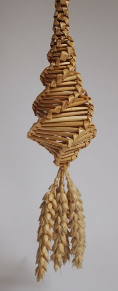 A first corn dolly for me - a Yorkshire spiral or teardrop