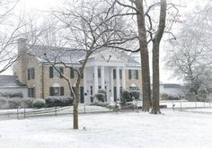 .Graceland in the snow .... so beautiful  !!!