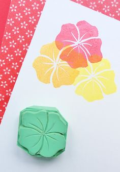 Idea Carver Eraser Stamp: Flower Stencil, Make Your Own Stamp, Eraser Stamp, Stamp Carving, Fabric Stamping, Handmade Stamps, Wood Stamp, Flower Stamp, Tampons