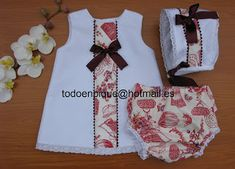 TODO EN PIQUE para bebe Little Girl Outfits, Little Girl Dresses, Kids Outfits, Baby Girl Fashion, Kids Fashion, Bebe Baby, Baby Doll Clothes, Chic Baby, Baby Design