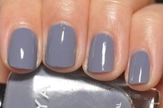Zoya Caitlin spring nail color. And no, these are not my fingers but a doppelganger!