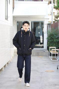 完全防寒スタイル Vol.1  こんにちは。 BINの松井です。 この3連休は暖かくなるみたいですが、それから先は寒くなる一方。 雪国出身にも関わらず、松井は寒いのが大の苦手。。 それでも、よくかっこつけて冬でも薄着というか寒い格好をしてしまのですが・・・。 .efiLevolの今季のコレクションテーマが「HEATTIC」=「あったかいような」。 寒い冬でも暖かく機能性が高いアイテム達がラインナップされています。 今回、BINが提案するのは今季の.efiLevolのアイテムを中心に使った完全防寒スタイルです。 http://www.efilevol.com/blog/37013