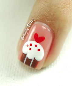 cup cakes nail art
