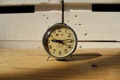 Reloj despertador vintage verde Golden Cok 35,00 € Reloj despertador de cuerda color verde de la marca Golden Cok, hecho en China en 1960.