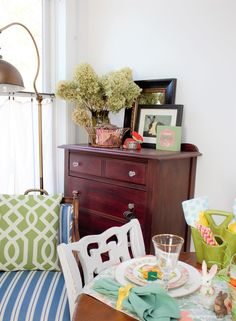 Thrifty Easter decor and tablescape ideas: I found so many great items again in thrift stores, and they all came in handy for this year's Easter decoration.