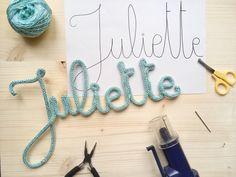Tous les secrets pour faire un joli prénom tricotin. Une fois que vous aurez commencé vous ne pourrez plus vous arrêter !