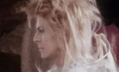 1986 - David Bowie as Jareth, The Goblin King in Labyrinth film (backstage photo) 80s.