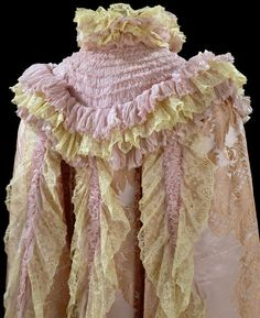 Opera cloak | House of Worth | France; Paris | 1897-1900 | silk, lace | Victoria & Albert Royal Museum | Museum #: T.86-1991