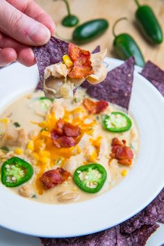 Jalapeno Popper Chicken Soup Recipe ~ A hearty soup filled with all of the flavours of jalapeno poppers including jalapenos, cream cheese, cheddar cheese and bacon! This soup is a great way to keep warm on a cold winter day!