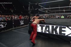 Shinsuke Nakamura stops Sami Zayn's dive through the turnbuckles with a kick to the face. (NXT Takeover: Dallas)