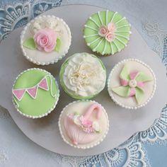 Umbrella & Pinwheel Cupcakes