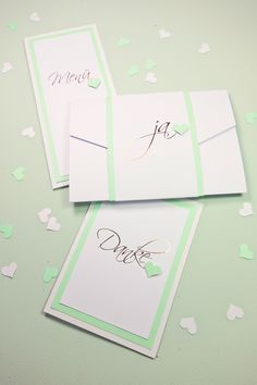 Ab sofort bieten wir auch Papeterie mit Heißfolienprägung an. Hier ist unser neuestes Schätzchen =)  Einladungskarte, invitaion, wedding invitation, wedding stationary, Hochzeitseinladung, Menükarte, menu card, menu, Menü, Danksagungskarte, Dankeskarte, Hochzeitspapeterie, Papeterie, stationary, papercraft, KartenWerk, pocketfold, Heißfolienprägung, hot foil