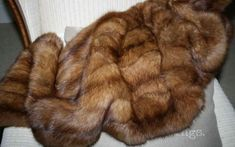 Russian Golden Sable Real Fur Cape Wrap Jacket Zobel Pelz соболя 佐贝尔 Zibellino M Giant Knit Blanket, Fur Blanket, Soft Blankets, Knitted Blankets, Fur Cape, Fabulous Furs, Fur Stole, Faux Fur Throw, Mantel