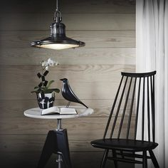 The Vitra Eames House Bird is taken from a black wooden figure that Charles & Ray Eames kept at the heart of their home. While its exact origin was unknown, it was evidently a piece of American folk art much appreciated in Eames House.