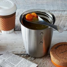 The Thermo Pot will keep your lunch hot and tasty for up to 5 hours. Pour your meal into the flask and screw the cork lid into place to create a vacuum seal.