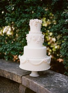 classic white cake | Archetype | Glamour & Grace