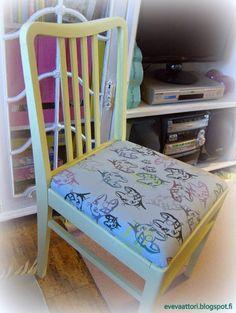 8 vuotiaan tyttäreni itse piirtämä kissa ja hänen itse suunnittelema kuosi omaan tuoliinsa. Kissa, Dining Chairs, Furniture, Home Decor, Decoration Home, Room Decor, Dining Chair, Home Furnishings, Home Interior Design