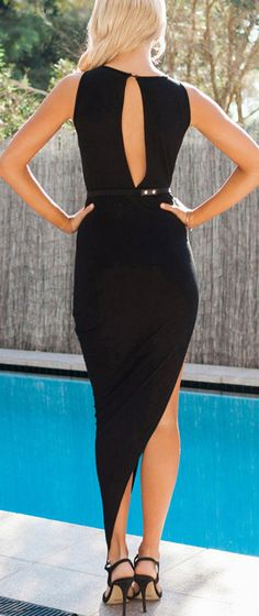 Got a fancy party to attend do? Show in sultry black with this drape up keyhole dress. Sexy Dresses, Nice Dresses, Dress Outfits, Fashion Dresses, Fashion Beauty, Girl Fashion, Keyhole Dress, Classy And Fabulous, Glamour