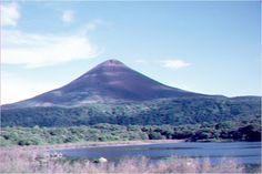 VOLCAN MOMOTOMBO, NICARAGUA