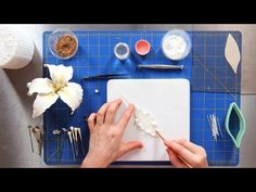Learn how to make the petals for a casablanca lily sugar paste flower from cake designer Amy Noelle in this Howcast cake decorating tutorial, part 2 of a series. Sugar Paste Flowers, Wafer Paper Flowers, Fondant Flowers, Clay Flowers, Buttercream Flowers, Edible Flowers, Making Fondant, Flower Video, Easy Cake Decorating