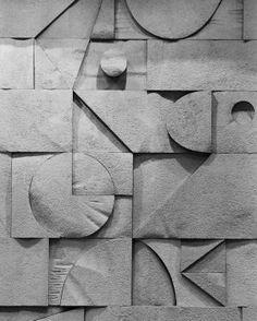 Bas relief detail on the stone walls of the Knesset, Jerusalem by Dani Karavan Wall Sculptures, Sculpture Art, Bauhaus, Jerusalem, Relief, Retro Art, Public Art, Textures Patterns, Ceramic Art