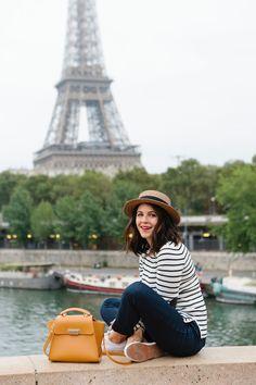 Anastasia-Eiffel Tower photo ideas, outfit ideas for Paris - My Style Vita /mystylevita/ Guendel