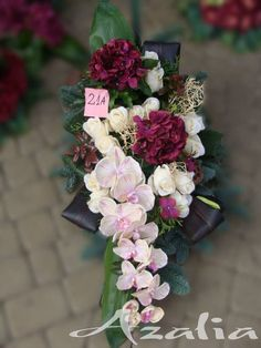 Table Arrangements, Floral Arrangements, Birthday Wishes For Son, Vence, Table Flowers, Ikebana, Flower Decorations, Funeral, Flower Designs