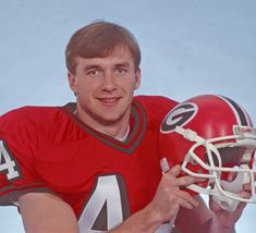 Archive photos of new UGA football coach Kirby Smart, wife Mary Beth University Of Georgia Athens, Sport Football, Football Helmets, College Football, Kirby Smart, Georgia Bulldogs Football, Georgia Girls, Defensive Back