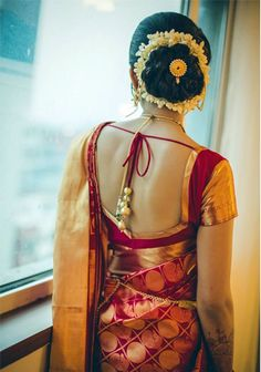 red and gold banarsi silk saree , gajra hairstyle , juda pin Best Picture For blouse designs sleevel Saree Blouse Neck Designs, Bridal Blouse Designs, Blouse Patterns, South Indian Blouse Designs, Sari Bluse, Indische Sarees, Wedding Saree Blouse, Bridal Silk Saree, Lehenga Blouse