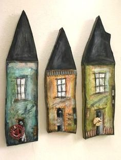 Wonder if you could do these with either saltdough or maybe Fimo or something si Clay Houses, Ceramic Houses, Wood Houses, Art Houses, Art Altéré, Home Crafts, Arts And Crafts, Paperclay, Clay Projects
