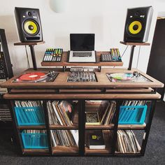 One DJ setup to rule them all 😂 Home Studio Setup, Music Studio Room, Turntable Setup, Dj Stand, Dj Table, Dj Decks, Diy Tisch, Vinyl Collection, Dj Setup