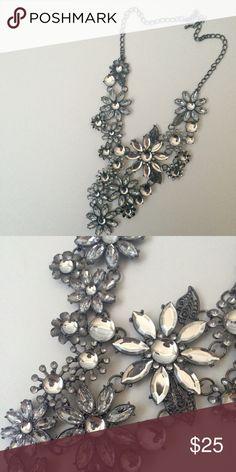 Beautiful Statement Necklace Beautiful and large statement necklace. Like new. Jewelry Necklaces