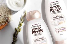 Garnier Whole Blends Oat Delicacy Shampoo gently cleanses and nutures as it restores your hair. A wholesome combination of Oat Milk & Rice Cream extracts for soft, weightless hair. Shampoo For Fine Hair, Shampoo For Thinning Hair, Hair Shampoo, Oily Scalp, Oily Hair, Fine Hair Tips, Drugstore Shampoo, Dry Hair Treatment, Whole Blends