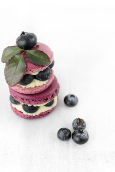 Cranberry french macaron