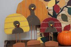 Beadboard Turkeys DIY Thanksgiving project