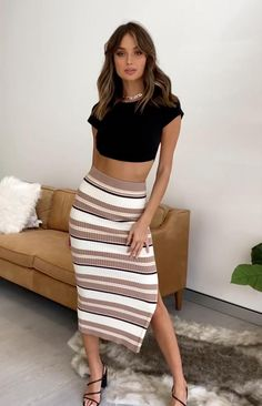 Cute Skirt Outfits, Cute Casual Outfits, Chic Outfits, Spring Outfits, Dress Outfits, Fashion Outfits, Girls In Mini Skirts, Model Outfits, Hot Dress