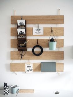 Do You Need Ideas For A Best Inspiring DIY Wall Decoration In Your Home? Diy Wood Wall, Wooden Wall Decor, Wooden Walls, Diy Wall Decor, Wooden Diy, Home Decor, Ikea Bed Slats, Wand Organizer, Mur Diy