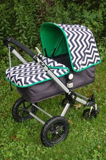 Maine Baby Treats - Custom Bugaboo Stroller Covers: Navy Chevron & Clover - LOVE THIS!