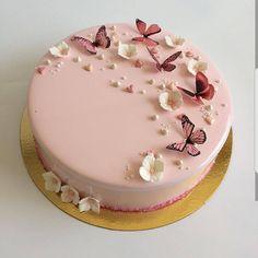 So süß ja oder nein? Omg Tag your friends Verfolgen: Creatives Girls Sigam: Elegant Birthday Cakes, Beautiful Birthday Cakes, Beautiful Cakes, Amazing Cakes, Butterfly Birthday Cakes, Butterfly Cakes, Cake Birthday, Butterflies, Pretty Cakes