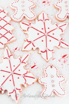 Candy Cane Sugar Cookies - 10 Very Merry Christmas Cookies to Surprise Your Family Christmas Sweets, Very Merry Christmas, Christmas Candy, Christmas Baking, Christmas Recipes, Jewish Christmas, Xmas Food, Holiday Baking, Christmas Sugar Cookie Recipe