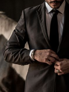 Men's Italian Jewelry, Luxury Modern Designer Jewelry for Men Bad Boy Aesthetic, Classy Aesthetic, Character Aesthetic, Mens Fashion Suits, Mens Suits, Ninja Outfit, Black Suit Men, Der Gentleman, Classy Couple