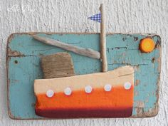 by art drops Boat Crafts, Craft Stick Crafts, Diy And Crafts, Arts And Crafts, Wood Pallet Signs, Wood Pallets, Boat Art, Driftwood Crafts, Wood Creations