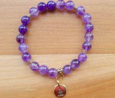 fr_bracelet_yoga_perles_amethyste_et_breloque_plaquee_or_