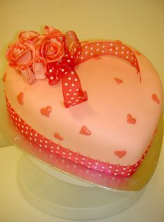 Romantic hearts and roses cake by fairycakes and faces, via Flickr