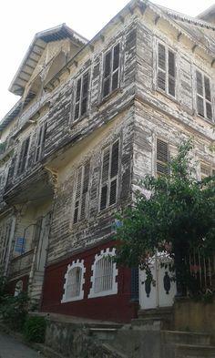 Old, abandoned, forgotten in İstanbul-Heybeliada (Heybeli Insel)